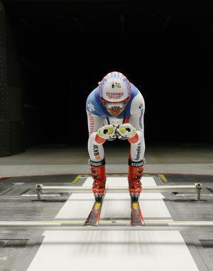 Swiss Ski Team testet im Audi-Windkanal