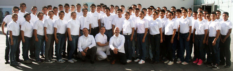 Starting signal for first year of apprentices  at Audi in Mexico
