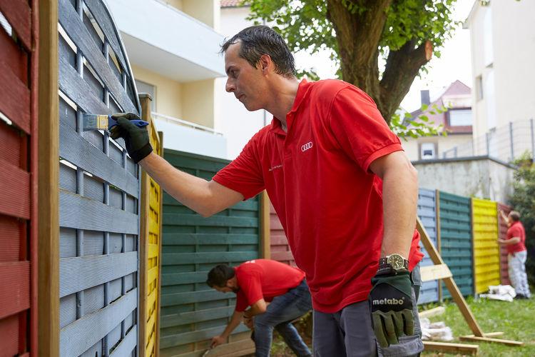 Audi-Freiwilligentag:  Mitarbeiter engagieren sich in der Region