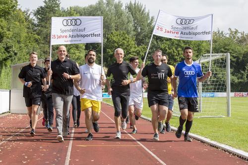 Spaß, Spiele, Promis und ein Spendenlauf: 25 Jahre Azubi-Sportfest bei Audi