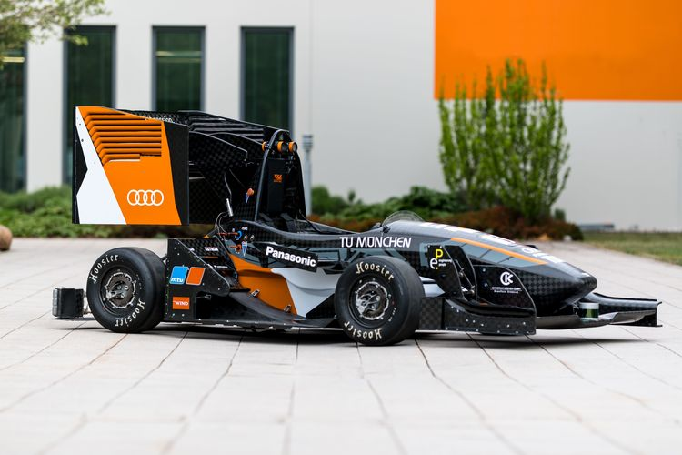 Audi at Formula Student Germany:  at race speed towards the future