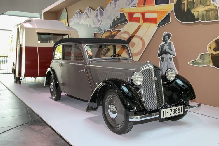 """Nachts im Audi museum mobile: """"Pop meets Magic"""""""