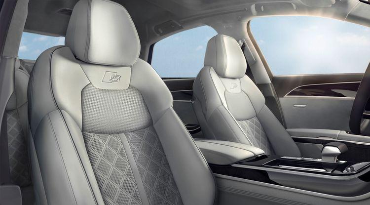 Audi A8 mit Optikpaket Schwarz
