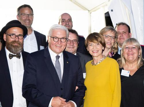 Ehrung für soziales Engagement: Ingolstädter Audianer zu Gast in Schloss Bellevue