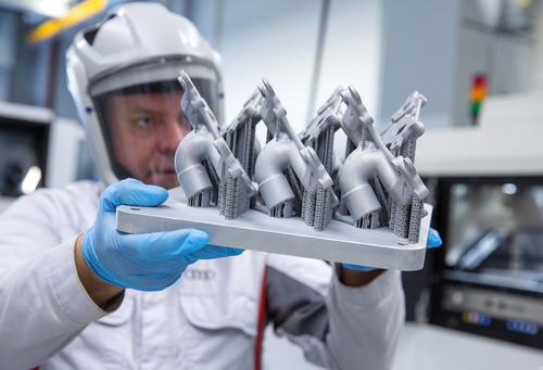 Metal 3D printing at Audi