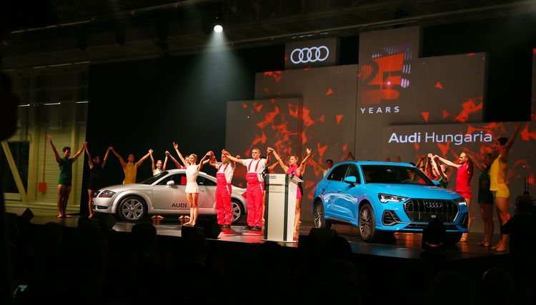Audi feiert 25 jährige Erfolgsgeschichte in Ungarn