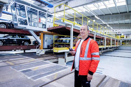Audi Logistik: 30 Jahre Autoverladebühne