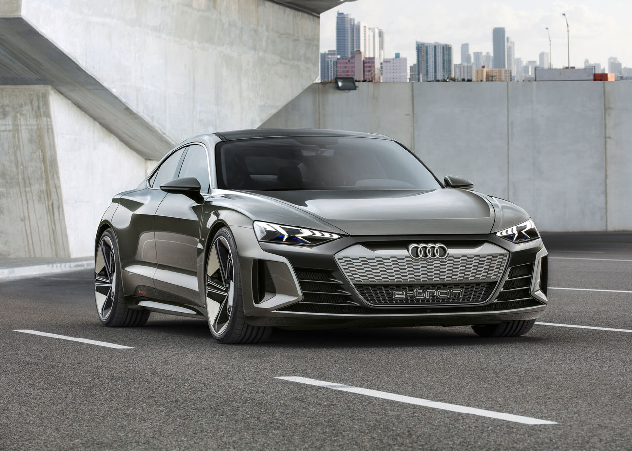 New Star In The Movie Capital The Audi E Tron Gt Concept Audi Mediacenter