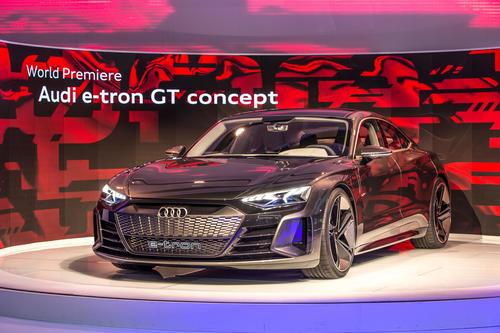 Weltpremiere des Audi e-tron GT concept auf der Los Angeles Motor Show 2018