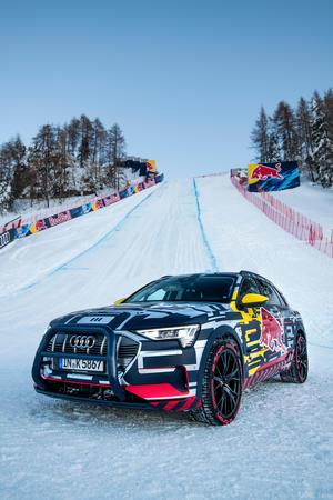 Audi e-tron Technikträger auf der Streif