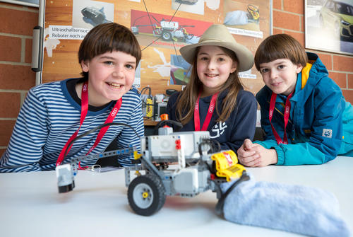 Challenge for young inventors from Bavaria at Audi