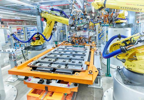 Produktion des Audi e-tron im CO2-neutralen Werk von Audi Brussels