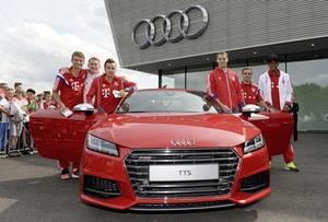 Weltmeister und der neue Audi TTS. Von links: Thomas Müller, Bastian Schweinsteiger, Mario Götze, Manuel Neuer, Philipp Lahm und Jérôme Boateng
