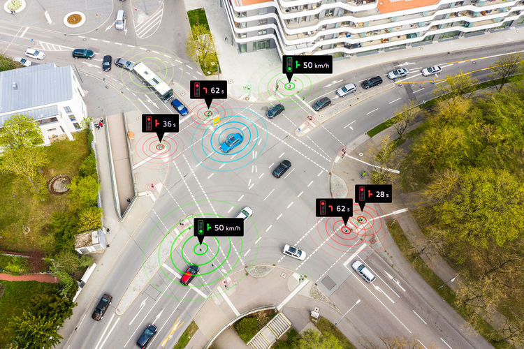 Audi networks with traffic lights in Europe | Audi MediaCenter
