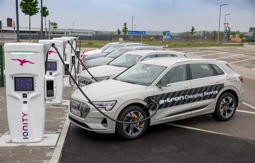 """""""IONITY und Tank & Rast nehmen gemeinsam mit Audi die ersten High-Power-Charging Ladestationen auf der Autobahn in Bayern in Betrieb"""""""