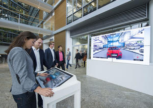 Virtuelle IAA-Tour im Audi Forum Ingolstadt
