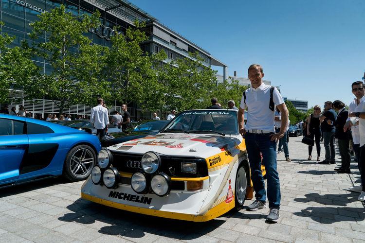 Geballte Power am Audi Forum Ingolstadt: 38 Sportwagen-Fans erhalten neuen Audi R8