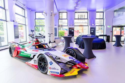 Audi e-tron experience center