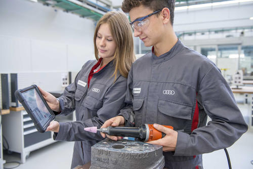 Apprenticeship at AUDI AG in Ingolstadt and Neckarsulm