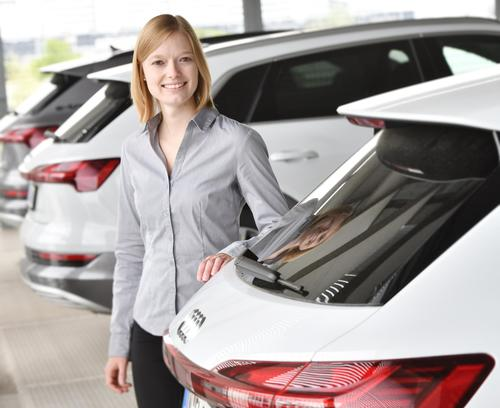 """""""Dualissimo"""" award: top marks for Audi graduates in the dual course of study"""