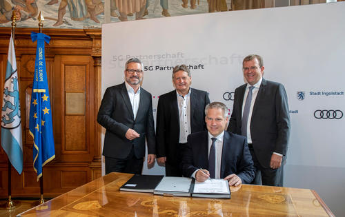 Audi, the city of Ingolstadt and Telekom cooperate on 5G technology