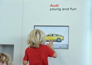 Audi young and fun im Audi Forum Neckarsulm – Fingermalen in der Kleinkinderzone (1 bis 5 Jahre)