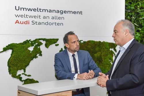 Bayerischer Staatsminister für Umwelt und Verbraucherschutz zu Besuch bei Audi