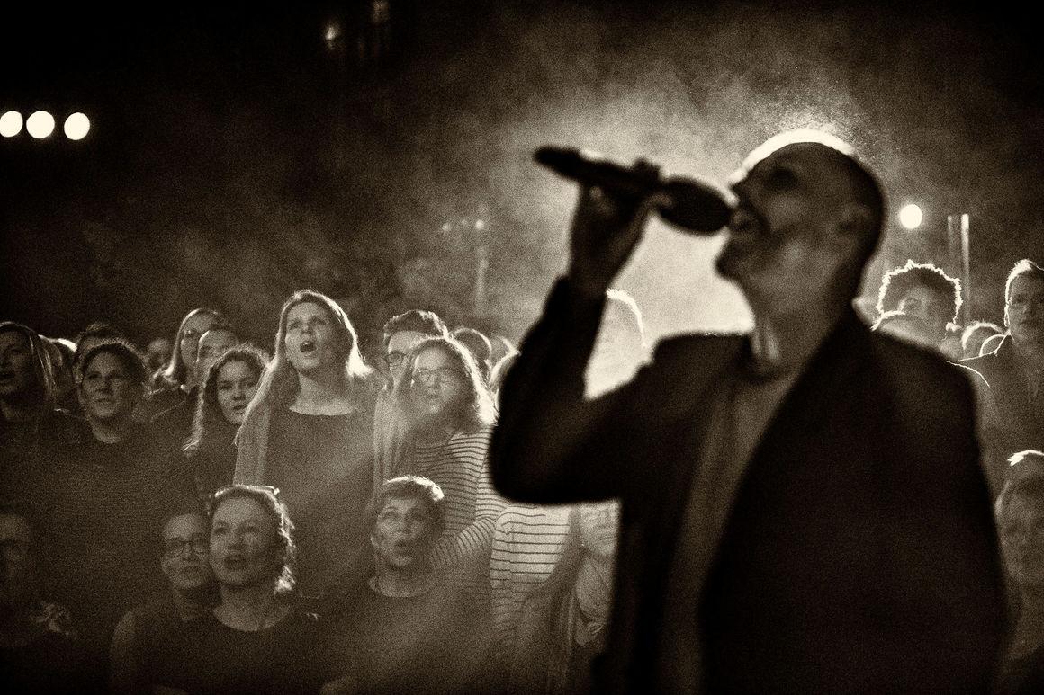 """""""Sing Dela Sing"""": Karaoke-Konzert im Audi Forum Neckarsulm"""