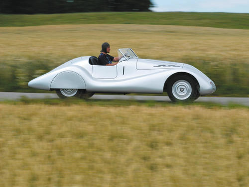 One of the beautiful Wanderer Streamline Roadsters at it´s first testdrive.