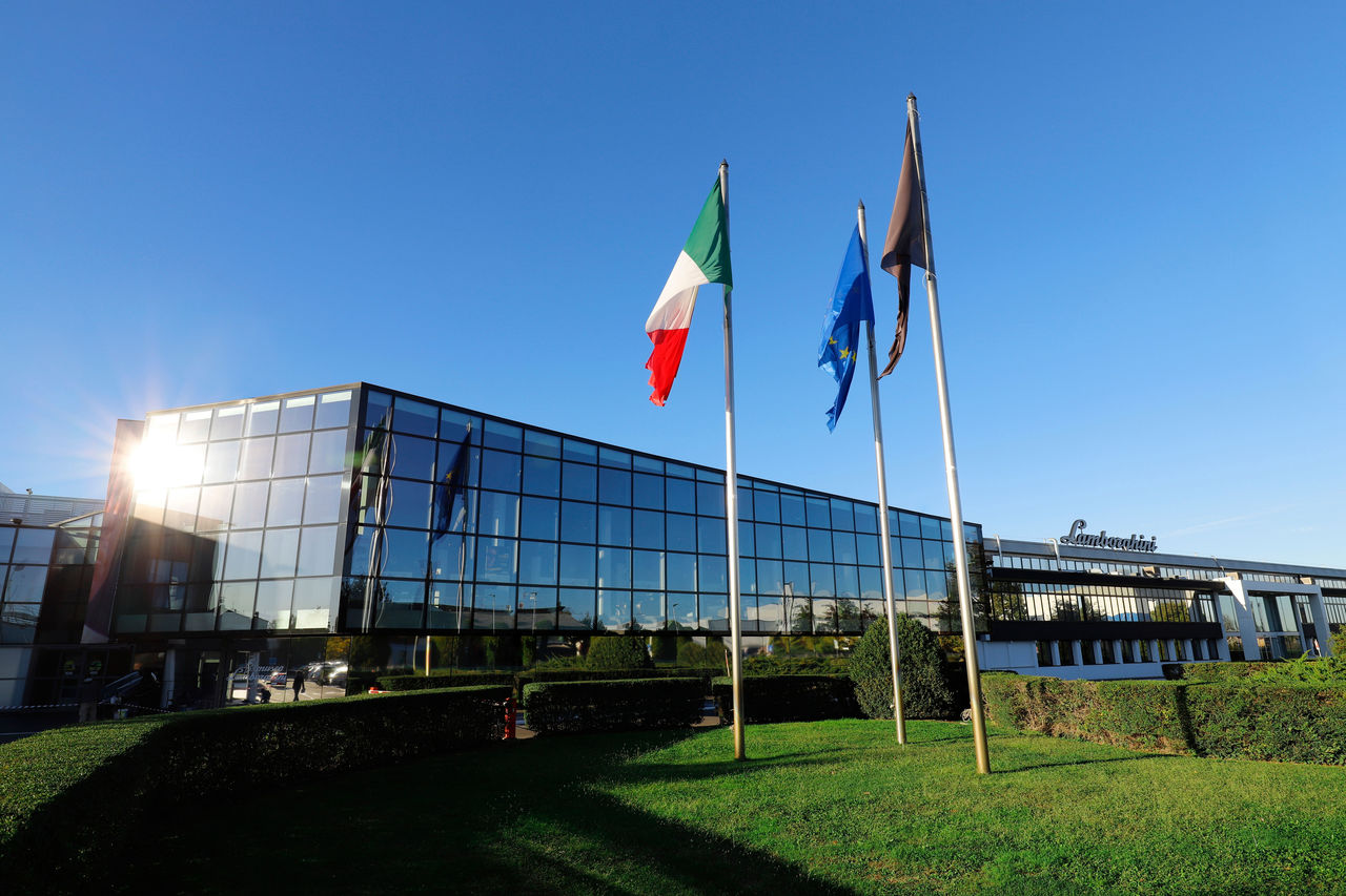 Automobili Lamborghini continues its global growth  and marks new historic highs: 8,205 cars delivered in 2019