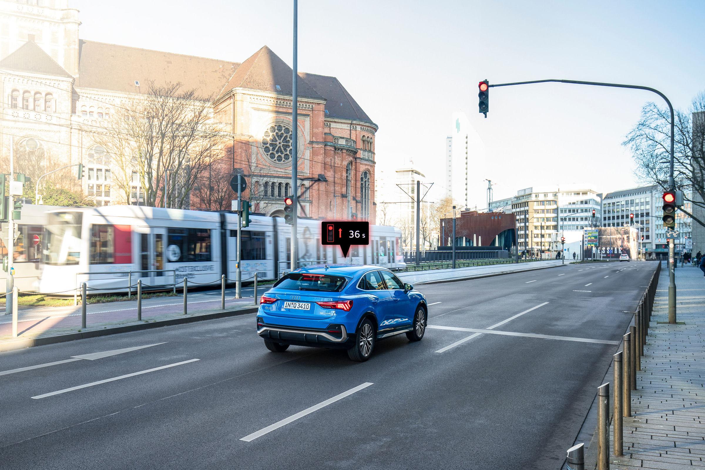 Audi networks with traffic lights in Düsseldorf - Image 2