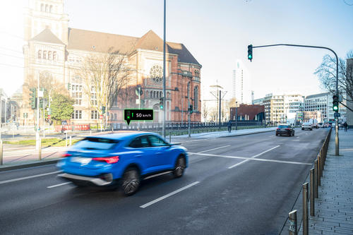 Audi networks with traffic lights in Düsseldorf