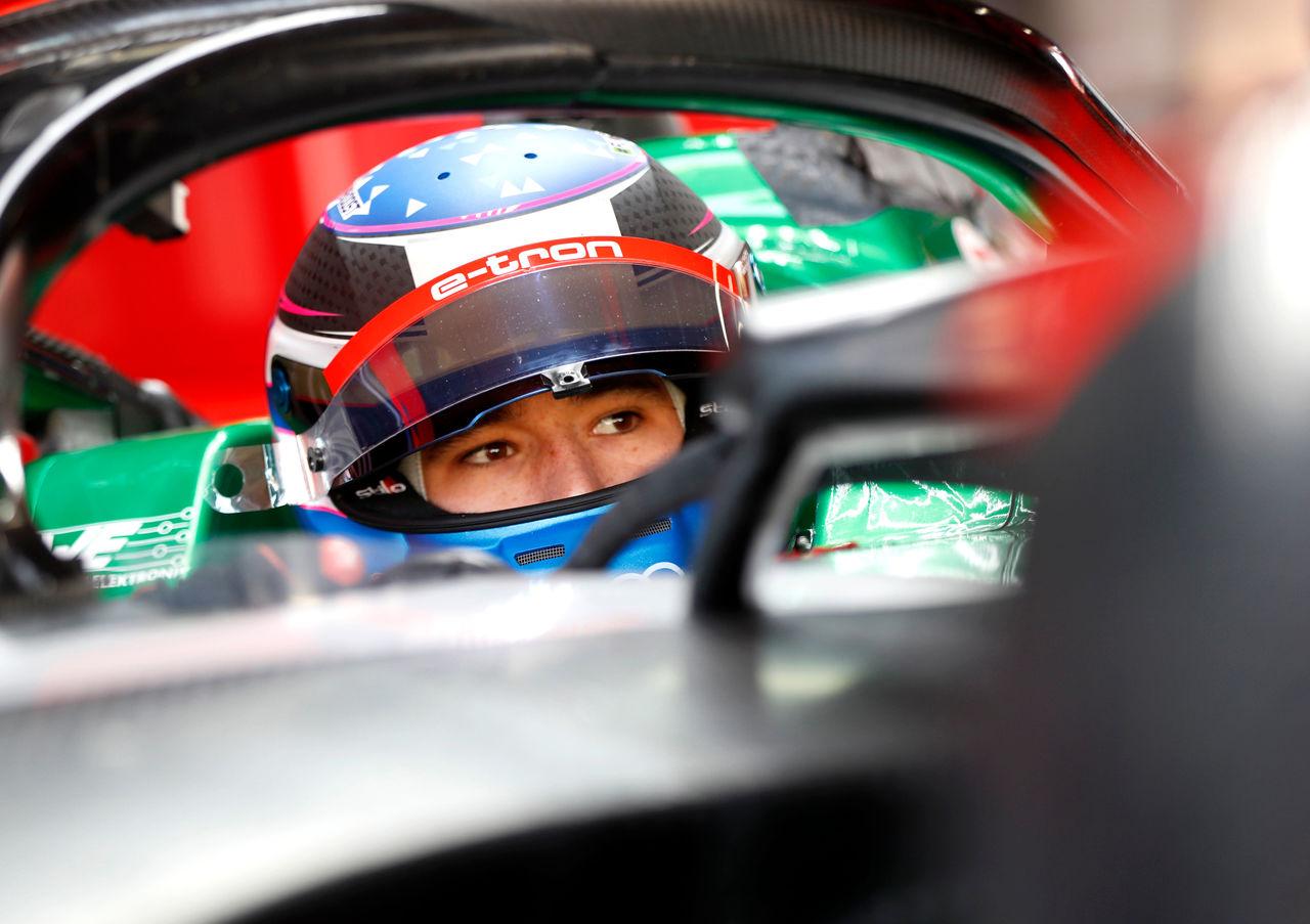 Kelvin van der Linde competes for Audi in virtual world of Formula E