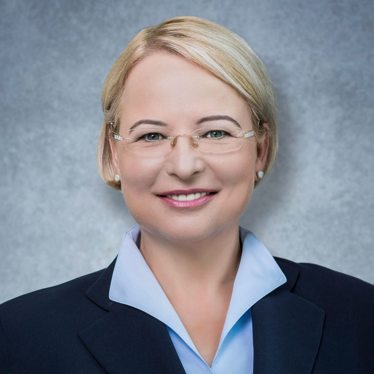 Sabine Maassen - Biography