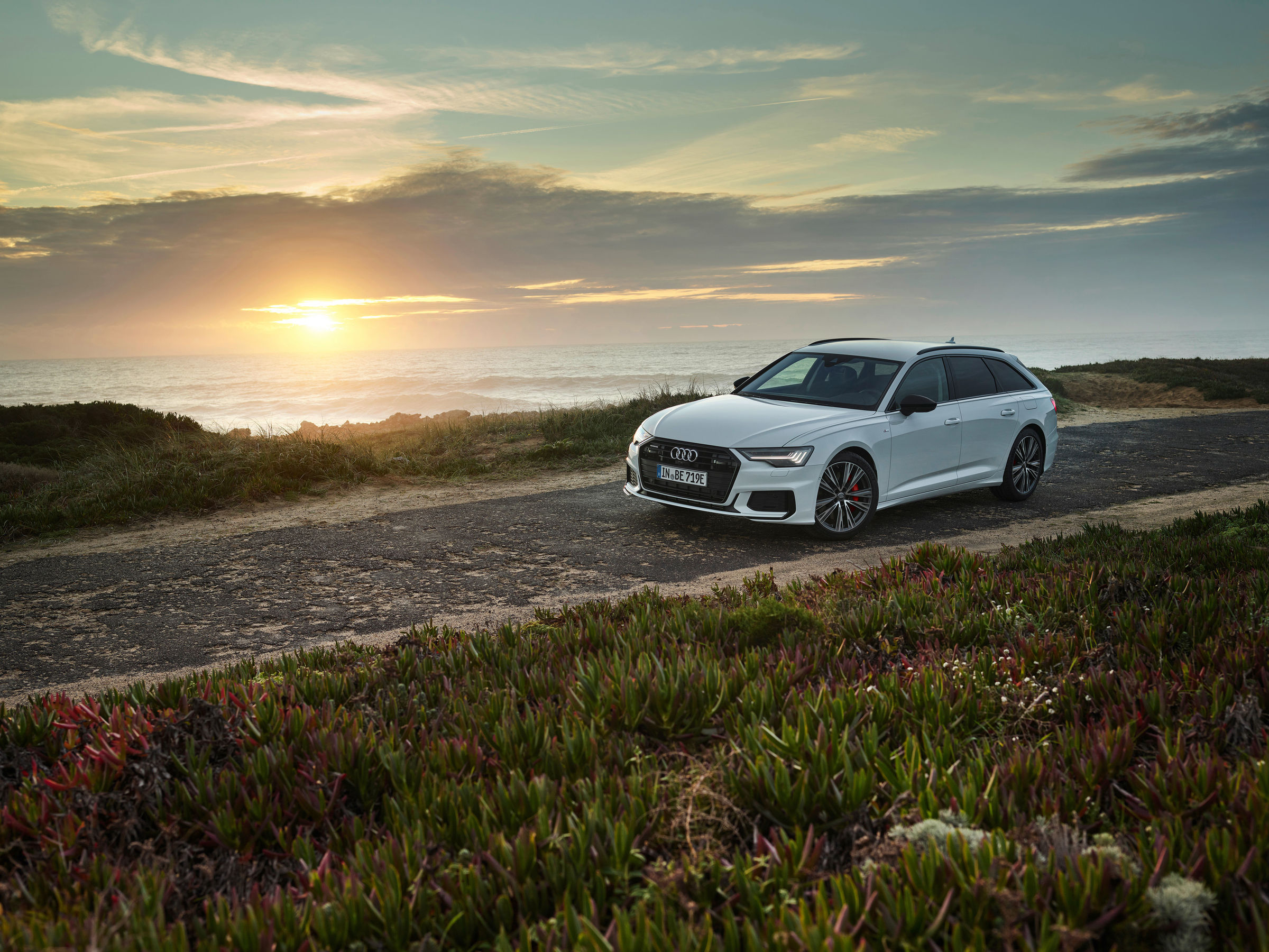 Audi full-size station wagon now as a plug-in hybrid: the new A6 Avant TFSI e quattro - Image 8