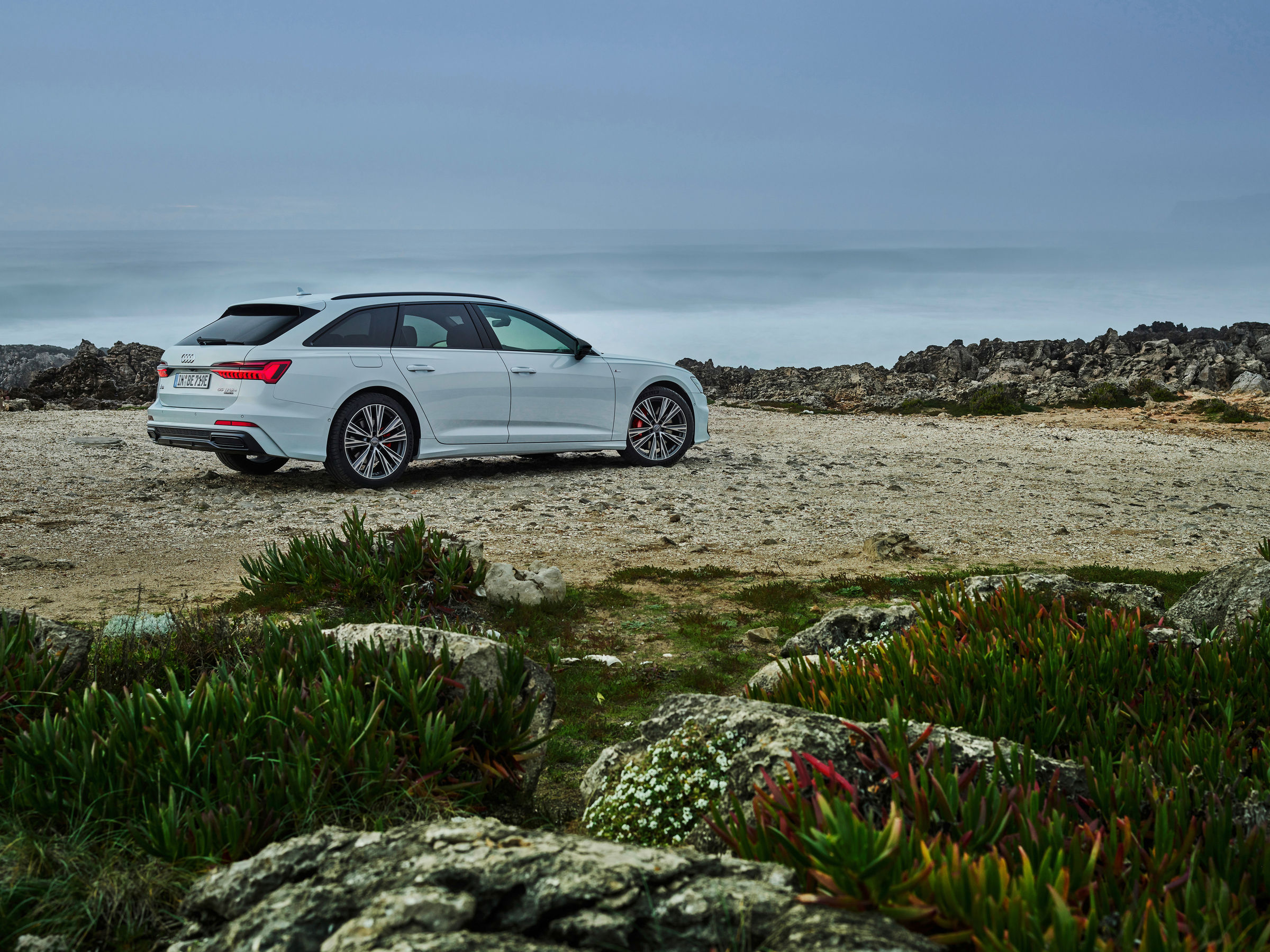 Audi full-size station wagon now as a plug-in hybrid: the new A6 Avant TFSI e quattro - Image 6