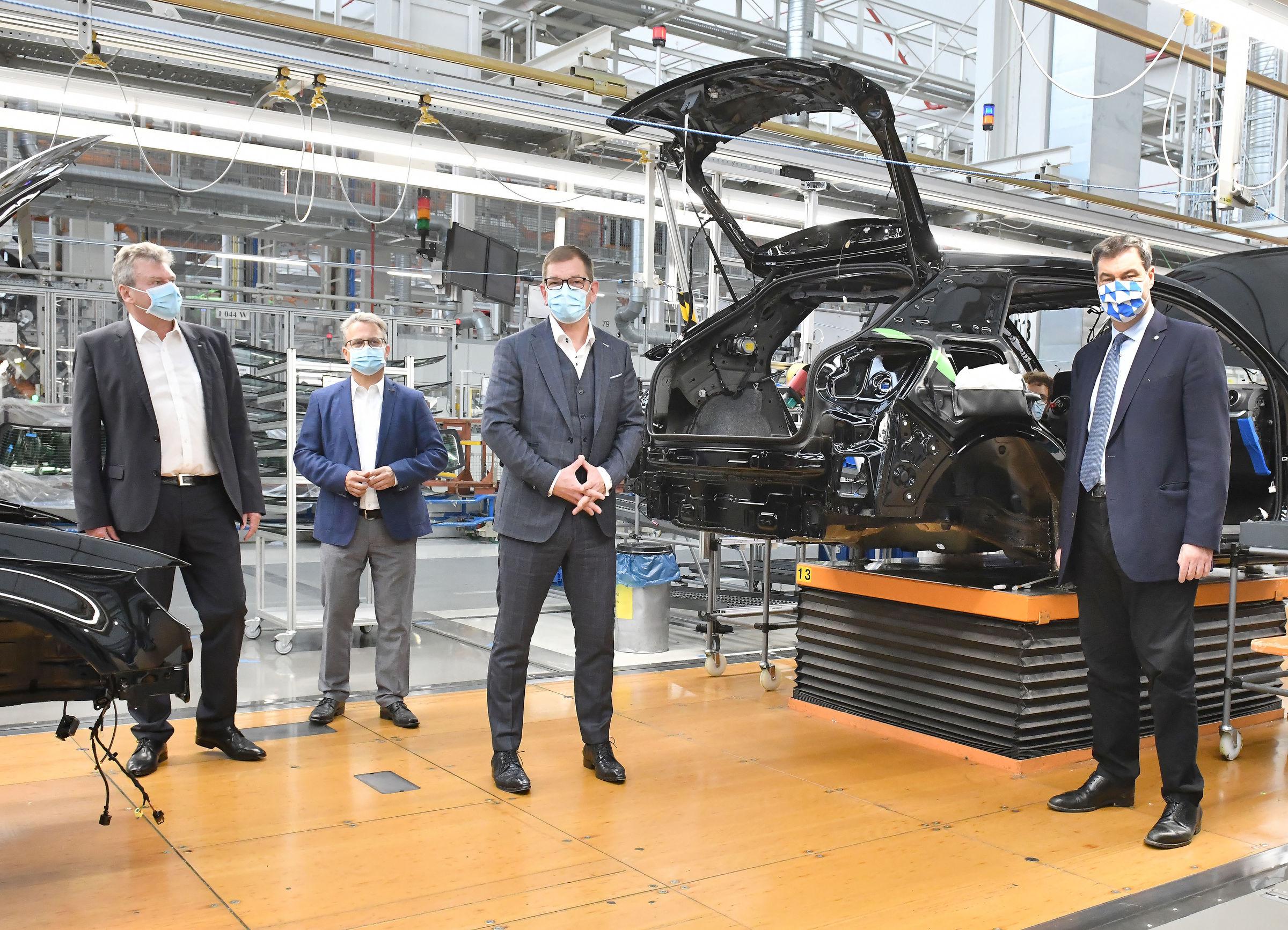 Markus Söder Visits Audi: Bavaria's Minister President Impressed with Protective Measures - Image 1