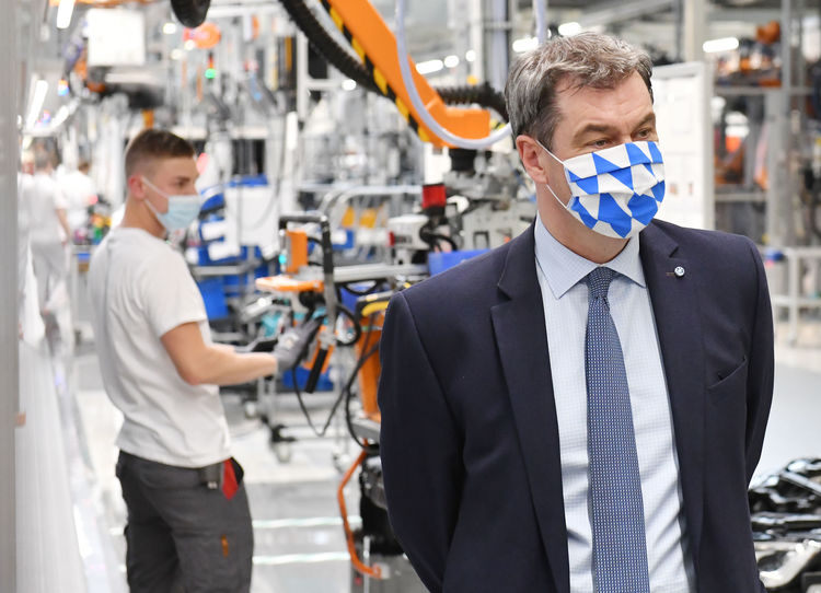 Markus Söder Visits Audi: Bavaria's Minister President Impressed with Protective Measures