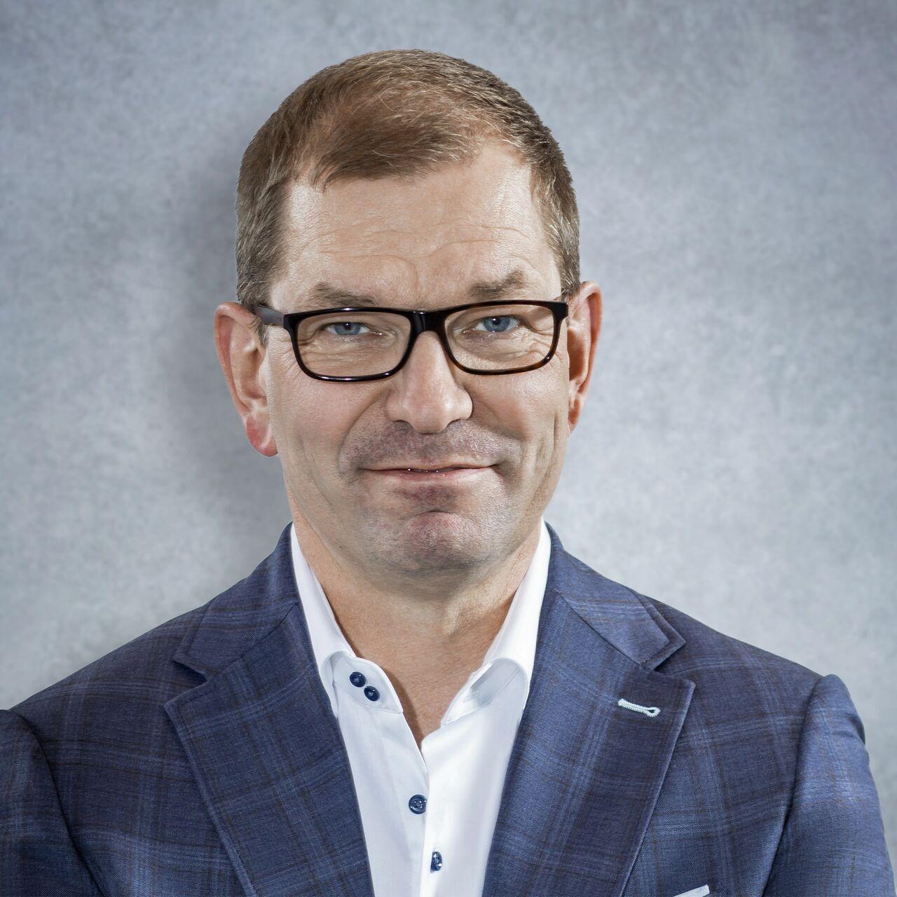 Markus Duesmann - Biography