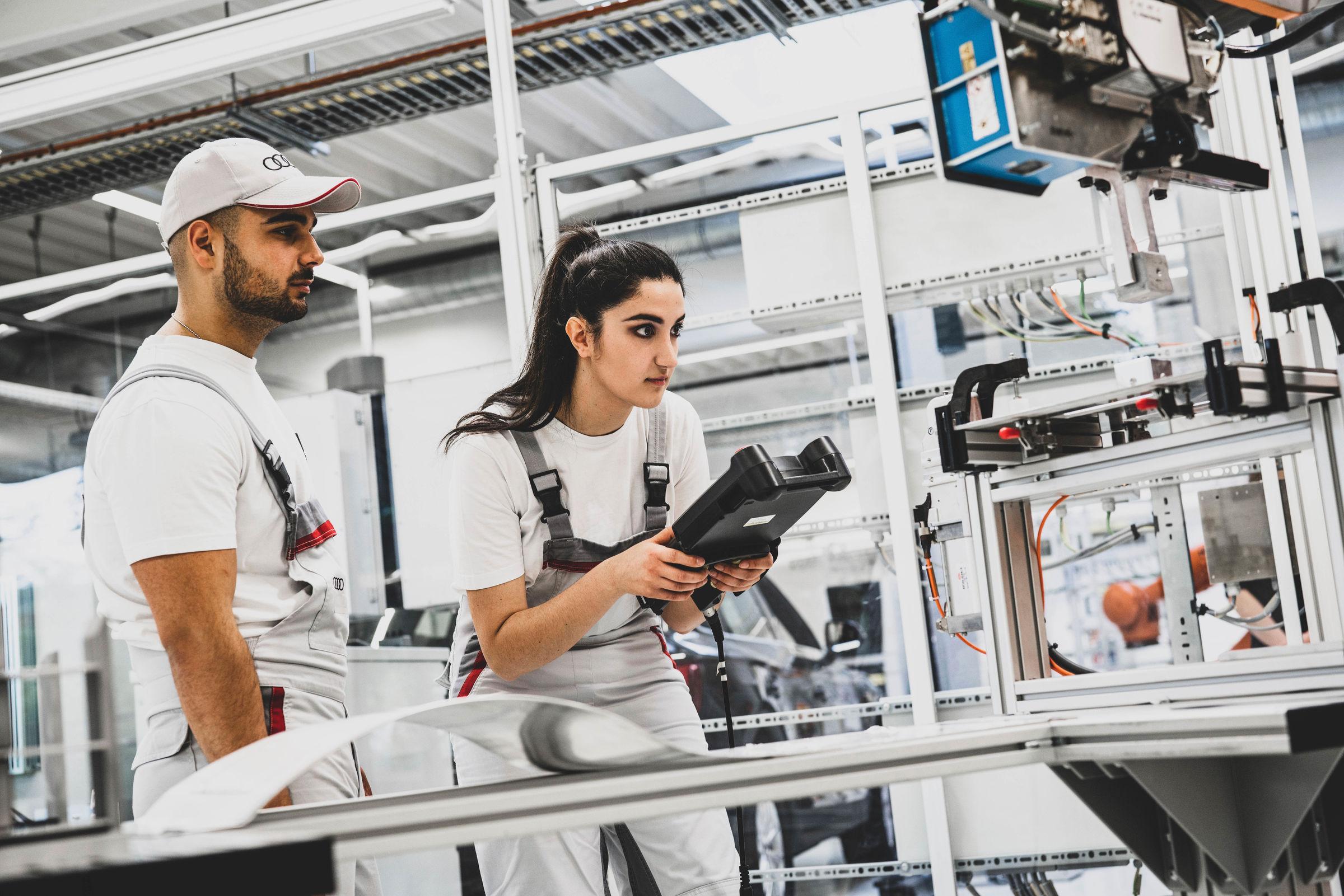 Stream & Chat: Digital information weeks for apprenticeships at Audi - Image 2