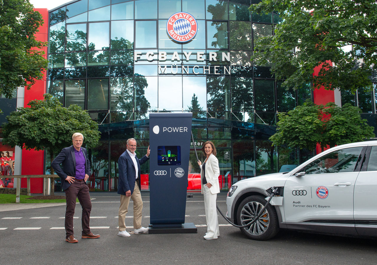 Ready for the Audi e-tron: Audi equips FC Bayern training grounds with charging points