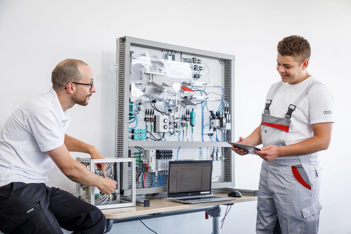 Ausbildungsstart: Audi begrüßt neue Auszubildende in Neckarsulm
