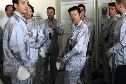 Players of ERC Ingolstadt visit the paint shop