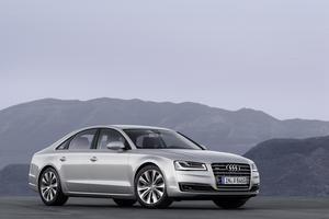 Audi A8 4.0 TFSI quattro cylinder on demand (2013)