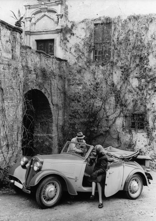 """DKW F7 """"Front"""" deluxe convertible, two-seater, 700 cc, two-cylinder, two-stroke transverse engine, front-wheel drive, 20 hp."""