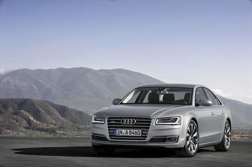Audi A8 4.0 TFSI quattro cylinder on demand (2013)