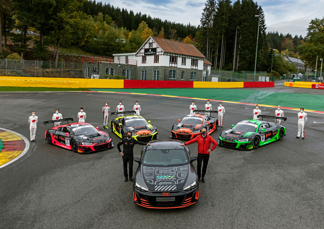 Audi R8 LMS and Audi RS e-tron GT prototype: today meets tomorrow