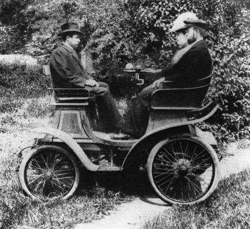 "Horch Model 1, ""vis-à-vis"", 2 cylinder, 4-5 hp, August Horch behind the wheel"
