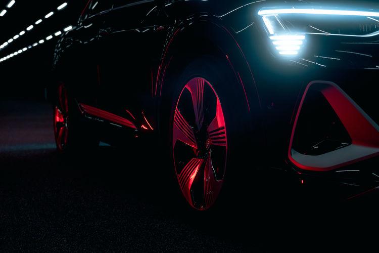 Audi e-tron Sportback 55 quattro with digital matrix LED headlights in the Audi light tunnel