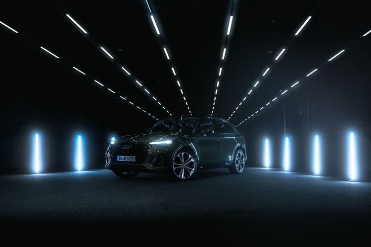 Audi Q5 40 TDI in the Audi light tunnel